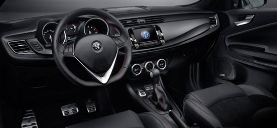 Alfa Romeo Giulietta Interior Black